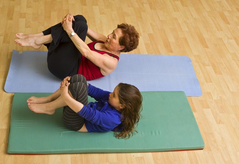 Упражнения (ЛФК) при сколиозе позвоночника в домашних условиях