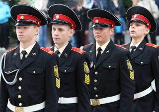 Берут ли со сколиозом в армию, МВД и военные вузы?