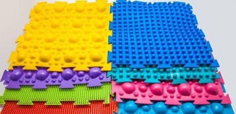 Какие виды детских ортопедических ковриков существуют