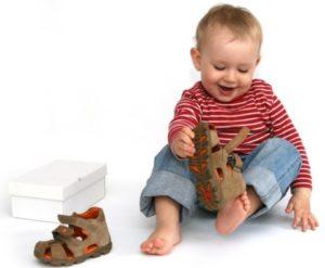 Ортопедическая обувь для малышей от 1 года: как понять, нужна ли ортопедическая обувь ребенку?