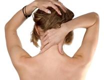 Почему болит область затылка головы и как ее лечить?