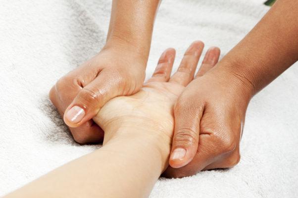 стенозирующий лигаментит пальца руки